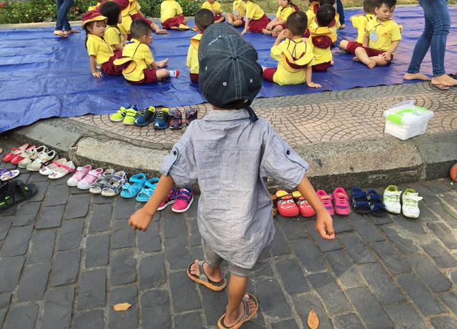 Cậu bé lượm ve chai xếp giày cho bạn đi dã ngoại được nhận học miễn phí - Ảnh 3.