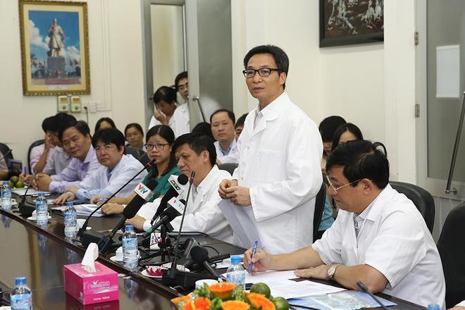 Phó Thủ tướng thăm, động viên y, bác sĩ và bệnh nhân SXH - Ảnh 3.