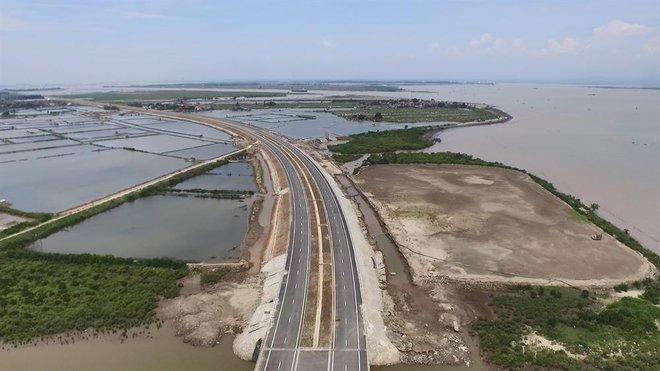 Ngắm cầu vượt biển dài nhất Đông Nam Á trước giờ thông xe - Ảnh 4.