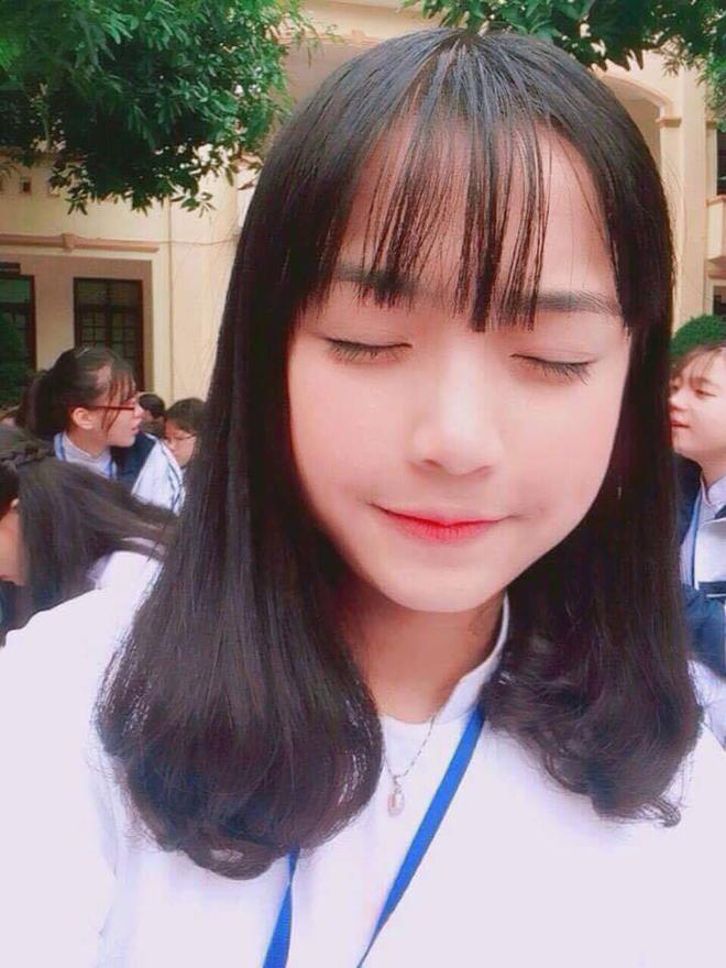 Sau Khánh Vy, trường Phan Bội Châu (Nghệ An) lại có nữ sinh nổi tiếng chỉ nhờ 1 đoạn clip - Ảnh 4.