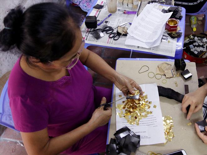 Đi tìm bí mật của đàn ông Kiêu Kỵ đập hơn 1400 nhát búa mỗi giờ làm vàng quỳ - Ảnh 4.