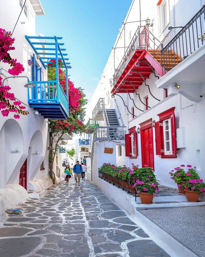 Chiêm ngưỡng vẻ đẹp cổ tích của 25 con phố rực rỡ khắp nơi trên thế giới - Ảnh 4.