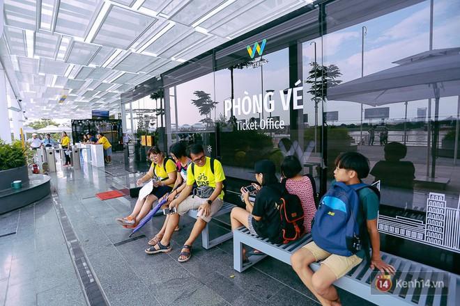 Buýt đường sông ở Sài Gòn cháy vé sau 10 ngày miễn phí, người dân chờ 2 tiếng mới được lên tàu - Ảnh 4.