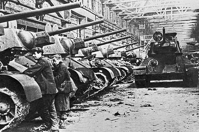 Xe tăng huyền thoại T-34 đè bẹp lực lượng thiết giáp Đức Quốc xã - Ảnh 4.
