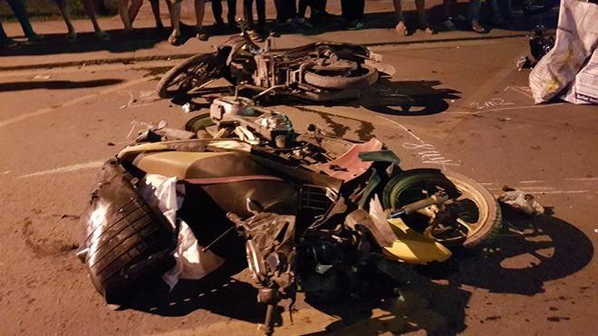 Ô tô húc văng hơn 10 xe, 2 người chết ở Sài Gòn - Ảnh 4.