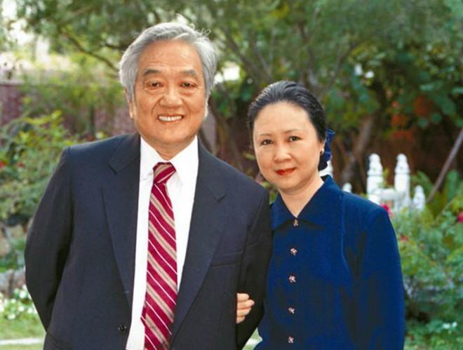 Nữ văn sĩ Quỳnh Dao bật khóc nức nở khi bị con riêng của chồng hắt hủi - Ảnh 5.
