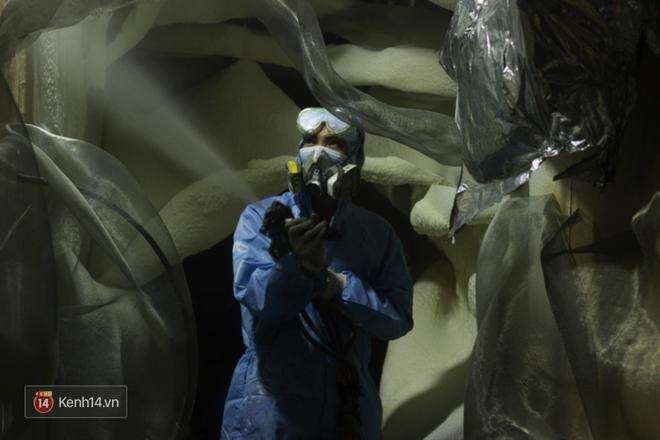 Biết tin bị ung thư vòm họng, chàng trai bỏ việc về mở xưởng làm... mô hình quái vật - Ảnh 5.