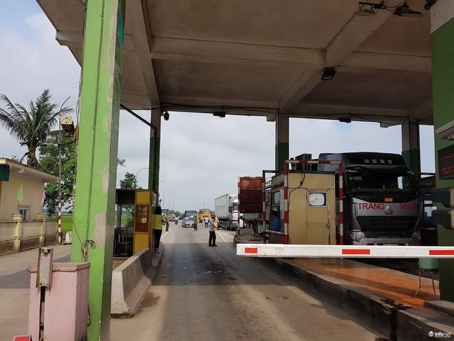 Hà Tĩnh: Hàng trăm phương tiện tập trung tại Cầu Rác yêu cầu miễn phí BOT - Ảnh 5.