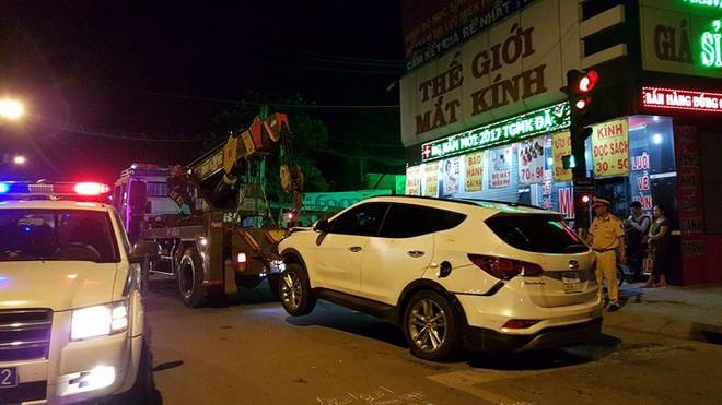 Ô tô húc văng hơn 10 xe, 2 người chết ở Sài Gòn - Ảnh 5.
