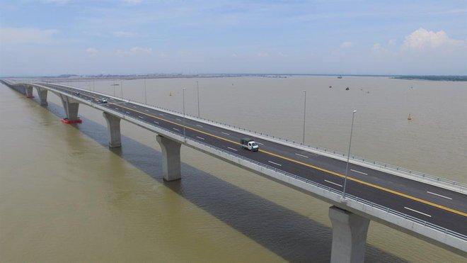 Ngắm cầu vượt biển dài nhất Đông Nam Á trước giờ thông xe - Ảnh 6.