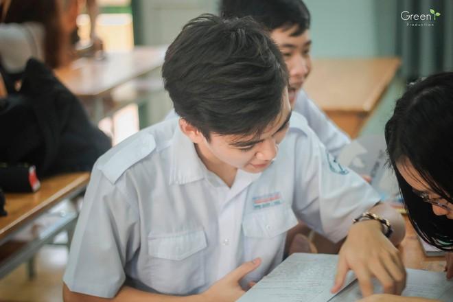 Cậu bạn trường Trần Đại Nghĩa với nụ cười má lúm gây sốt: Điển trai, giỏi cả bóng rổ lẫn piano - Ảnh 6.