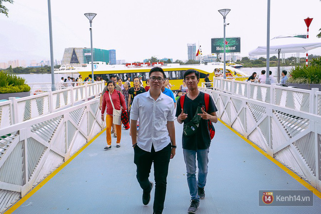 Buýt đường sông ở Sài Gòn cháy vé sau 10 ngày miễn phí, người dân chờ 2 tiếng mới được lên tàu - Ảnh 6.