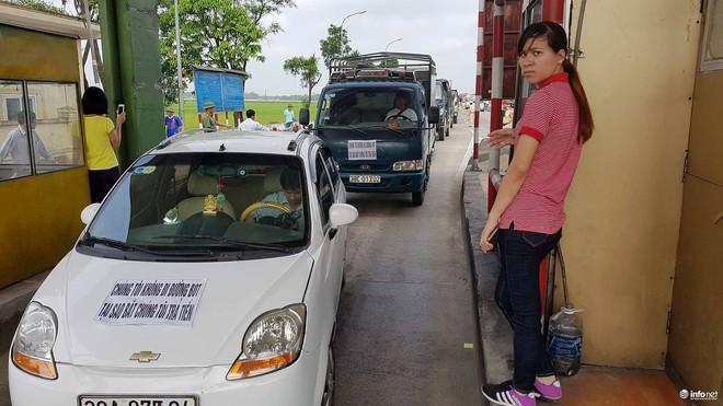 Hà Tĩnh: Hàng trăm phương tiện tập trung tại Cầu Rác yêu cầu miễn phí BOT - Ảnh 7.