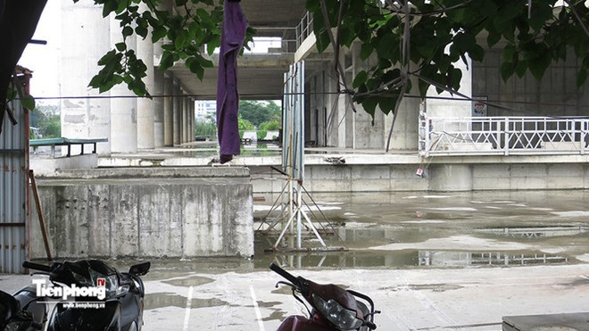 Tháp nghìn tỷ bỏ hoang trên đường vành đai 3 Hà Nội - Ảnh 7.