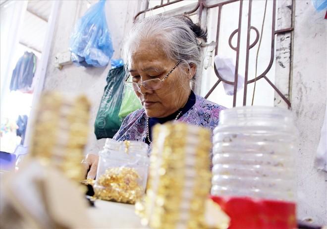 Đi tìm bí mật của đàn ông Kiêu Kỵ đập hơn 1400 nhát búa mỗi giờ làm vàng quỳ - Ảnh 7.