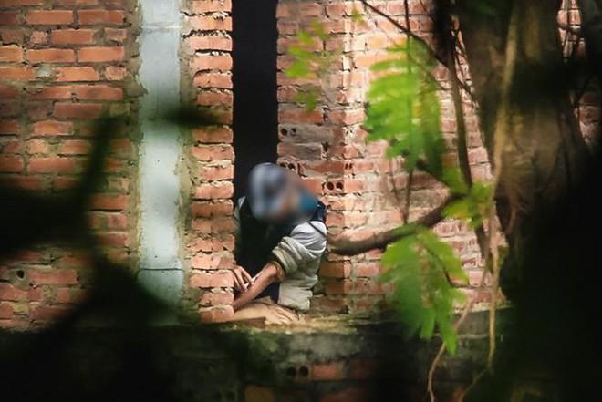 """Đột nhập khu biệt thự thành """"thiên đường"""" của các con nghiện ở Hà Nội - Ảnh 7."""