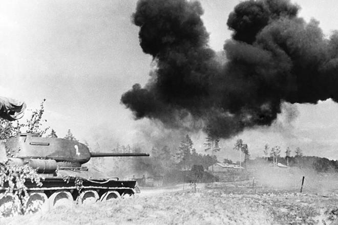 Xe tăng huyền thoại T-34 đè bẹp lực lượng thiết giáp Đức Quốc xã - Ảnh 7.