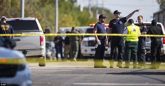 Ngỡ ngàng trước biệt thự xa hoa của nghi phạm xả súng ở Texas - Ảnh 8.