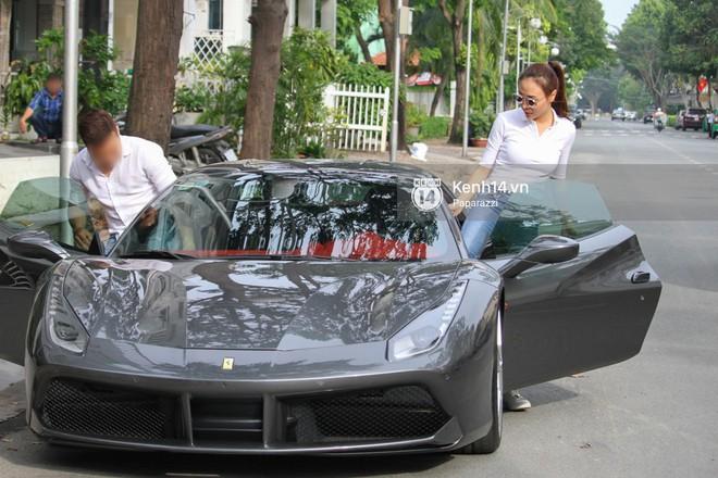 Cường Đô la - Đàm Thu Trang và Subeo đi chơi cuối tuần, nổi bật với siêu xe trên phố - Ảnh 9.