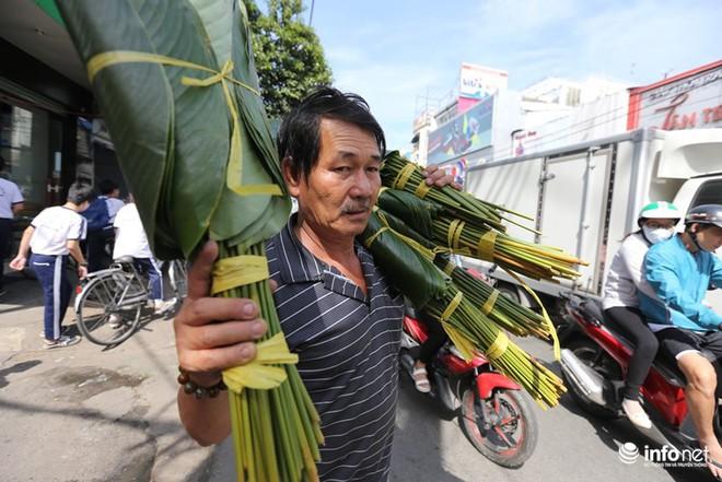 Đi chợ lá dong độc nhất ở TP. Hồ Chí Minh - Ảnh 8.