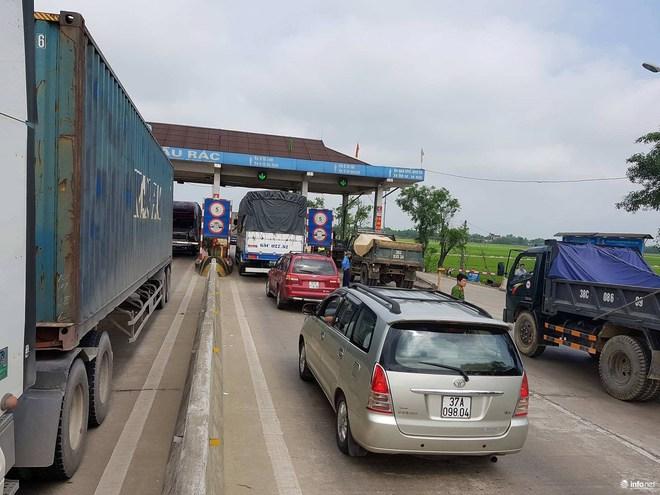 Hà Tĩnh: Hàng trăm phương tiện tập trung tại Cầu Rác yêu cầu miễn phí BOT - Ảnh 9.