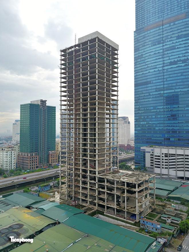 Tháp nghìn tỷ bỏ hoang trên đường vành đai 3 Hà Nội - Ảnh 9.