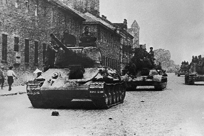 Xe tăng huyền thoại T-34 đè bẹp lực lượng thiết giáp Đức Quốc xã - Ảnh 9.