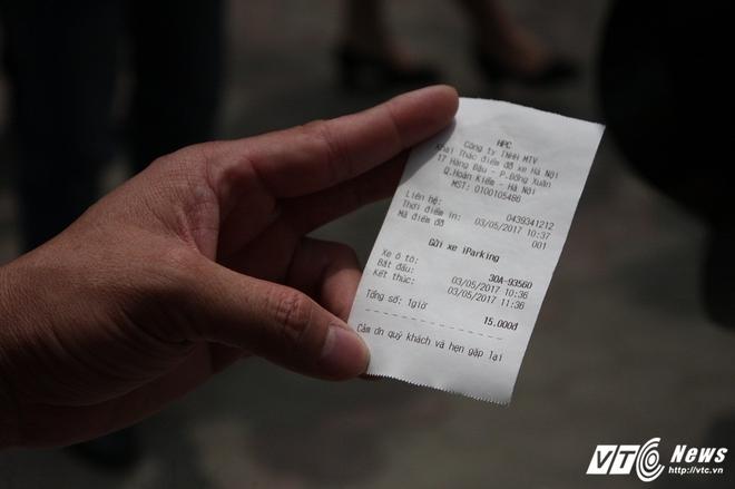 Ảnh: Tài xế sử dụng công nghệ đỗ xe thông minh tại Hà Nội thế nào? - Ảnh 11.