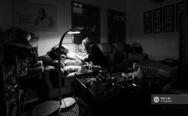 Nghe nữ thợ xăm 9X Hà Nội kể về những lần xăm trên vùng nhạy cảm của khách