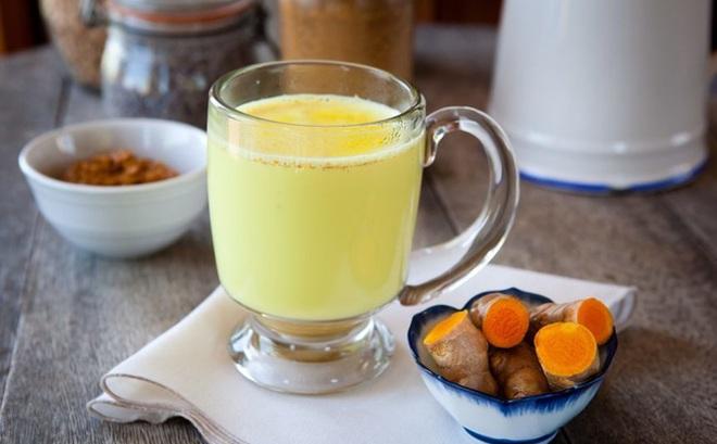3 loại nước trái cây trị mụn - Detox bột nghệ