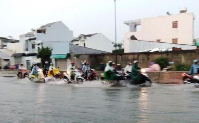 Mưa liên tục ở Sài Gòn vẫn là mưa trái mùa