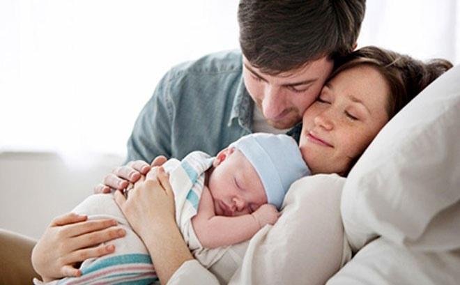 Quyền lợi BHXH của chồng khi vợ sinh con