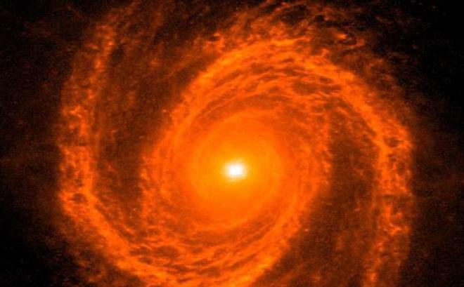 Các nhà khoa học vừa nghĩ ra cách cân khối lượng lỗ đen: dùng các nhánh xoắn ốc của thiên hà