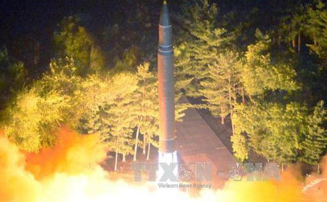Triều Tiên đã giảm nửa tầm bắn của tên lửa vừa bay qua Nhật Bản
