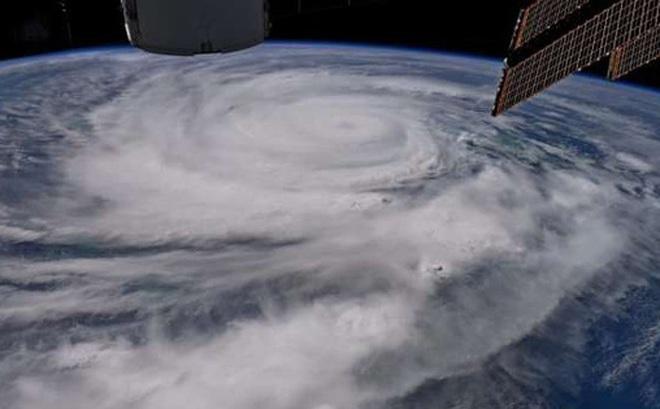 Vũ khí hạt nhân mạnh như thế, nhưng tại sao người ta không dùng để đánh tan các cơn bão?