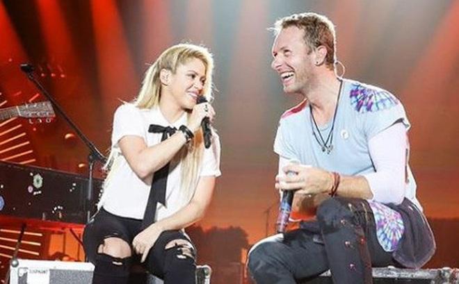 Shakira cứ ở cạnh trai đẹp thế này, bảo sao Pique không ghen