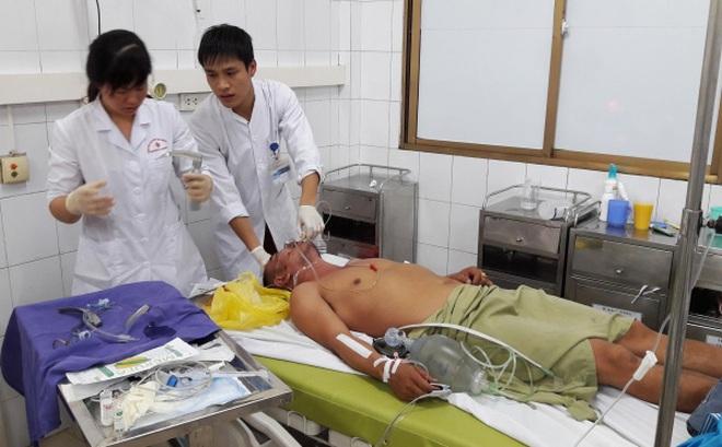 BV ĐK Tỉnh Quảng Ninh: Cấp cứu 7 người ngộ độc rượu thoát chết