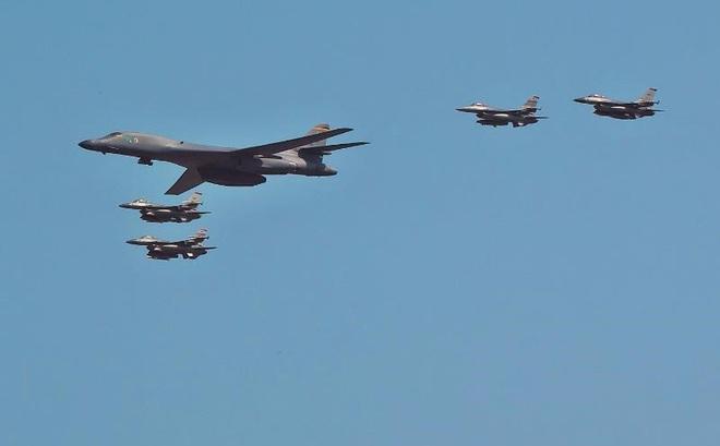 Máy bay Mỹ-Nhật-Hàn phóng tên lửa thị uy Bình Nhưỡng