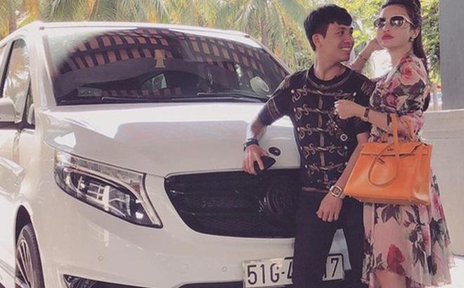 """Clip: Kỷ niệm 4 năm ngày cưới, đại gia Minh """"Nhựa"""" mang chiếc Jaguar XF gần 4 tỷ đồng ra bãi biển Phan Thiết làm quà tặng vợ"""