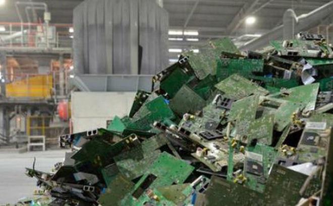 Nhật Bản bới rác thải tìm vàng và kim loại quý trước tình trạng khan hàng trên toàn thế giới