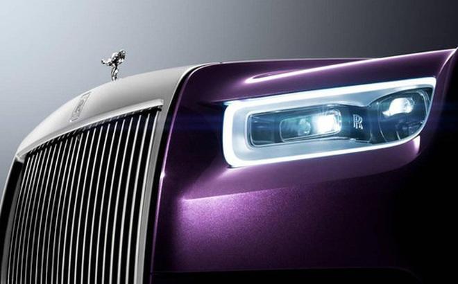 """Cận cảnh siêu xe """"êm ái nhất hành tinh"""" Rolls-Royce Phantom VIII"""