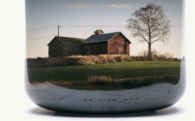 """Chiêm ngưỡng bộ ảnh """"Gom cả thế gian vào lọ thủy tinh"""" của nhiếp ảnh gia Christoffer Relander"""