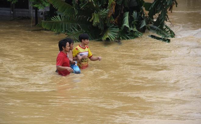 Quảng Nam tạm ứng 23,5 tỉ đồng khắc phục bão lũ