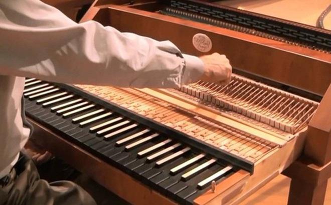 """Công nghệ """"Hybrid"""" trên piano: Phải chăng thị trường cho nhạc cụ truyền thống đã hết?"""