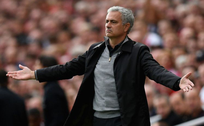 """Mourinho """"thi triển"""" thành công bước đầu tiên của kế hoạch quật ngã Man City"""