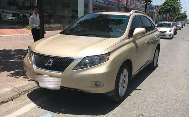 Đi 7 năm, Lexus RX350 hạ giá một nửa tại Hà Nội