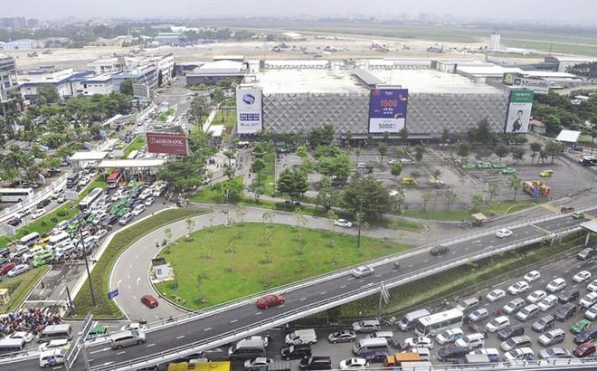 Giải quyết kẹt xe sân bay Tân Sơn Nhất bằng cách nào?