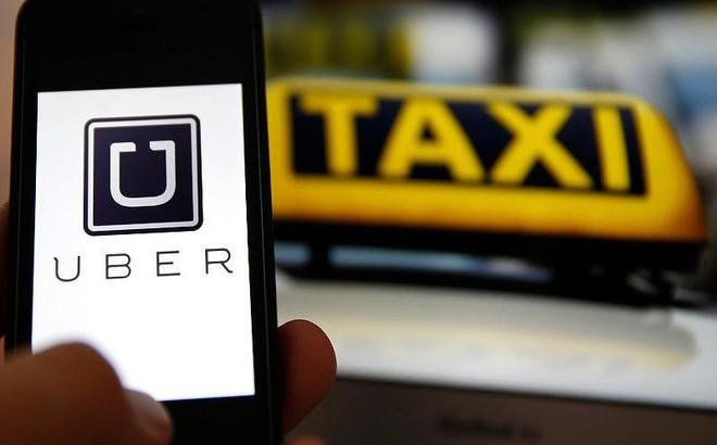 Khách hàng bị lái xe cướp hiếp, Uber vô can?