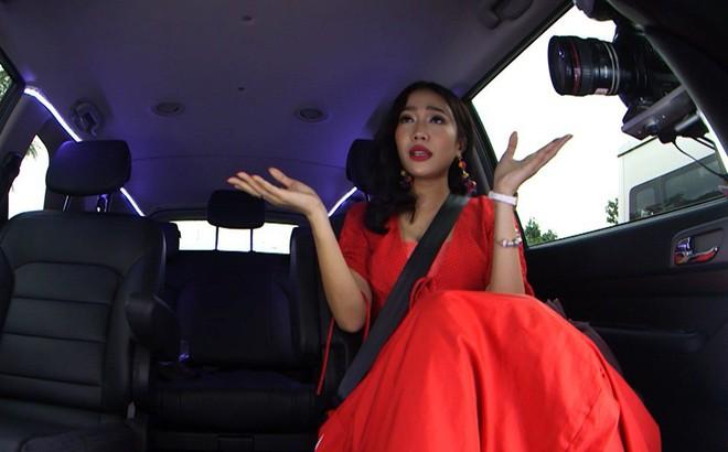 Clip Diệu Nhi khoe giọng hát thảm họa trên sóng truyền hình