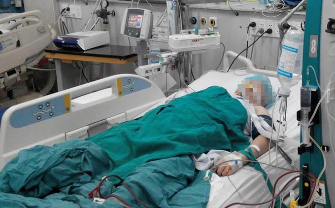 [Nhật ký Blouse trắng] Chiếc đầm đỏ người chồng thay cho vợ trên giường cấp cứu
